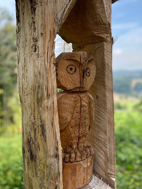Uil houtsnijwerk